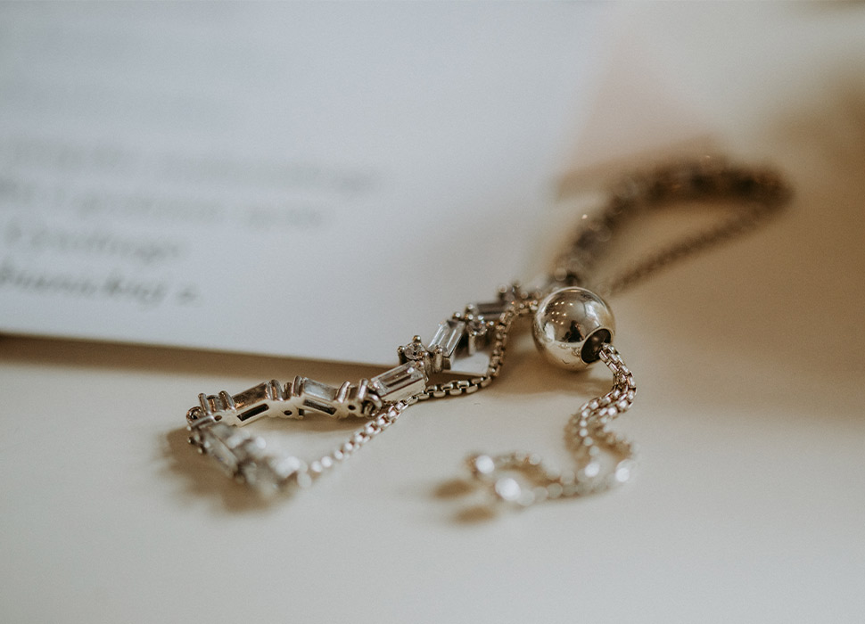 Silver-Jewelry-Trends-Mark-Their-Entry-in-Unusual-Ways,-Know-It-Here