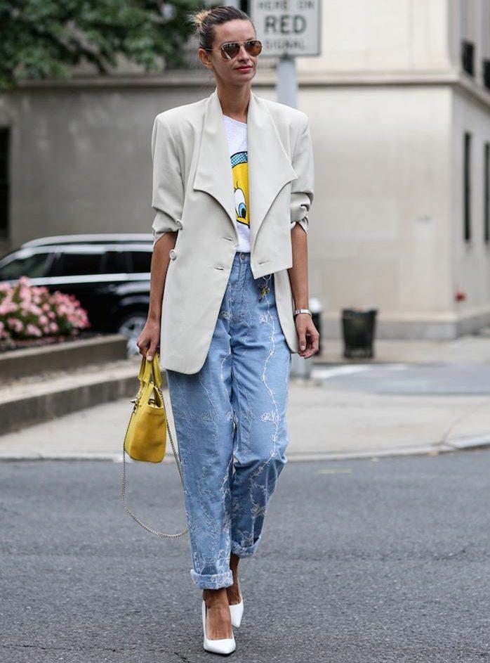 boyfriend-jeans-with-an-oversized-blazer